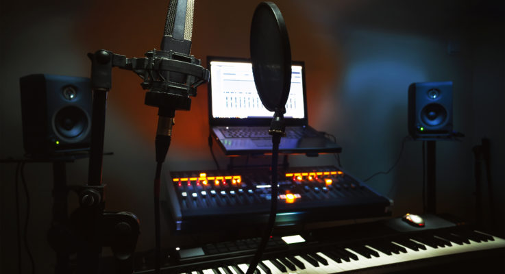 Student shares experience with electronic music production project